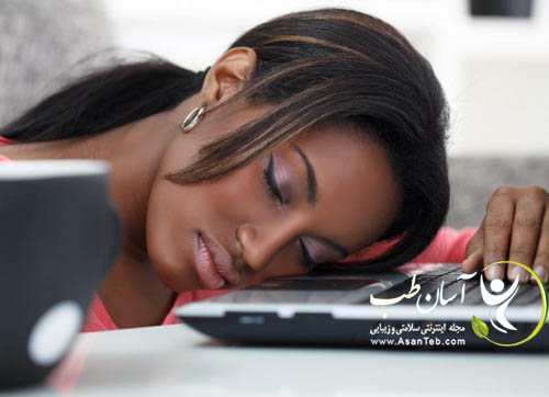 woman-asleep-on-her-computer
